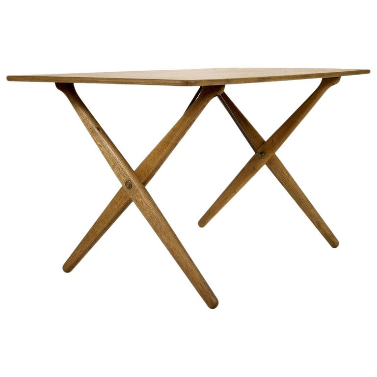 Model AT308 Oak Side Table by Hans Wegner for Andreas Tuck, Denmark, 1950s For Sale
