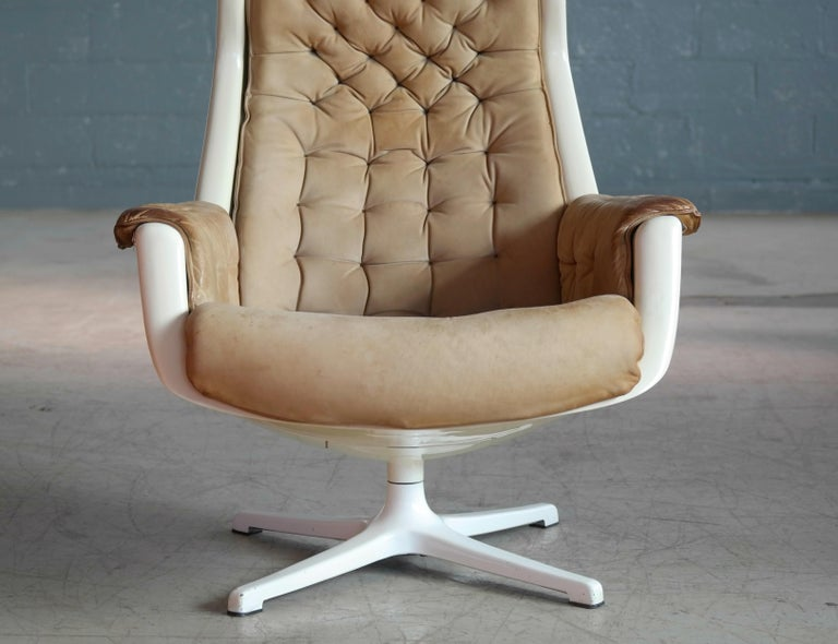 Swedish Model Galaxy Space Age Swivel Lounge Chair in Leather by Alf Svensson for DUX For Sale