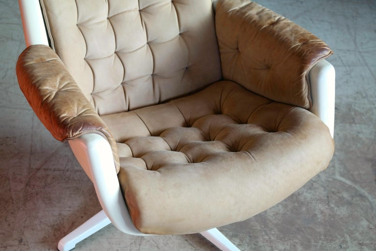 Mid-20th Century Model Galaxy Space Age Swivel Lounge Chair in Leather by Alf Svensson for DUX For Sale