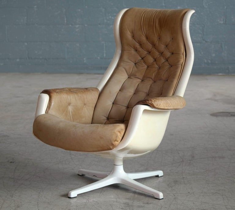 Aluminum Model Galaxy Space Age Swivel Lounge Chair in Leather by Alf Svensson for DUX For Sale