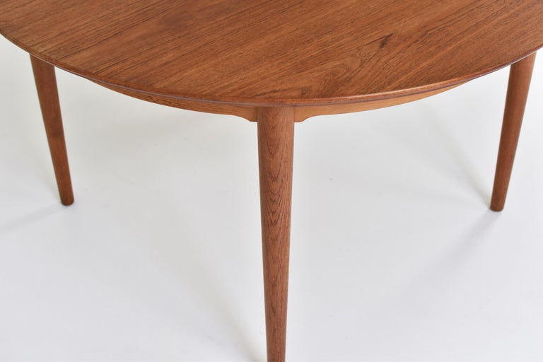 Model No. 204 Dining Table by Arne Vodder for Sibast Mobler, Denmark, 1955 In Good Condition For Sale In Antwerp, BE