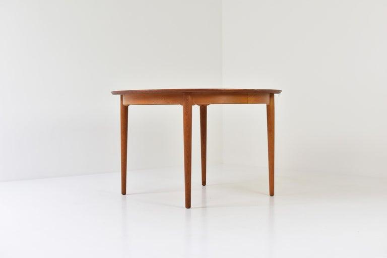 Model No. 204 Dining Table by Arne Vodder for Sibast Mobler, Denmark, 1955 For Sale 1