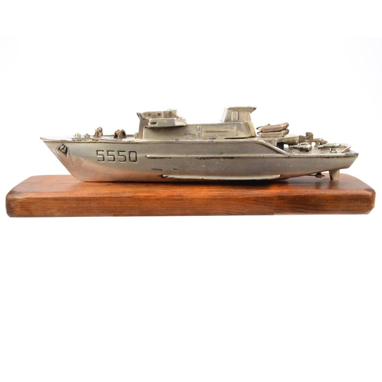Model of an Italian Navy 5500 Ship, Brass and Wood, 1970s For Sale 1