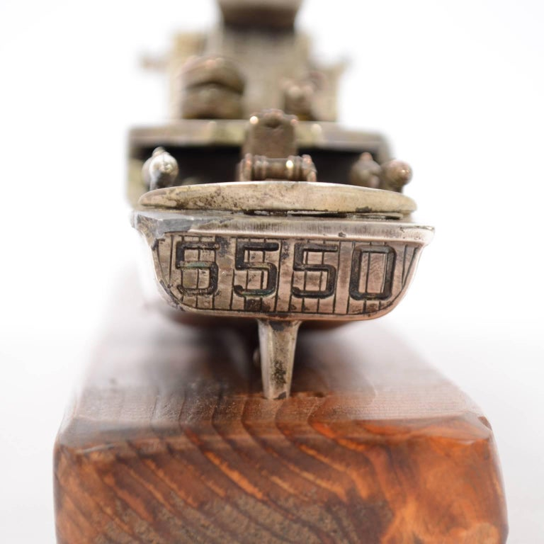 Model of an Italian Navy 5500 Ship, Brass and Wood, 1970s For Sale 4