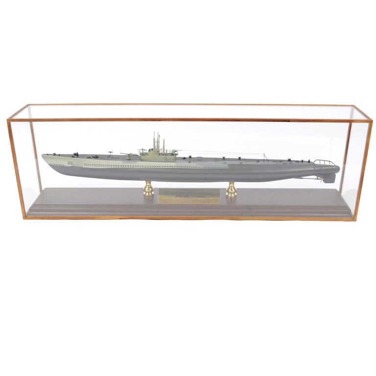 Model of the Submarine Seahorse USS 304 in a Glass Case Made in 1980s