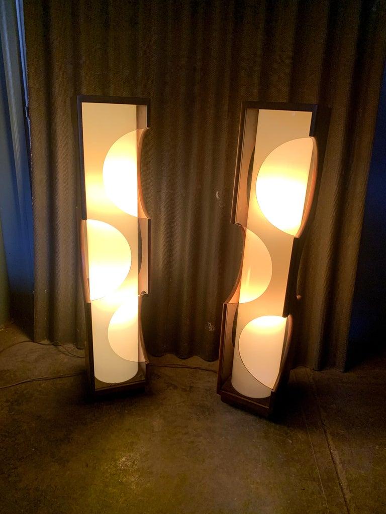 Modeline Monumental Mid-Century Modern Lucite Lamps For Sale 9