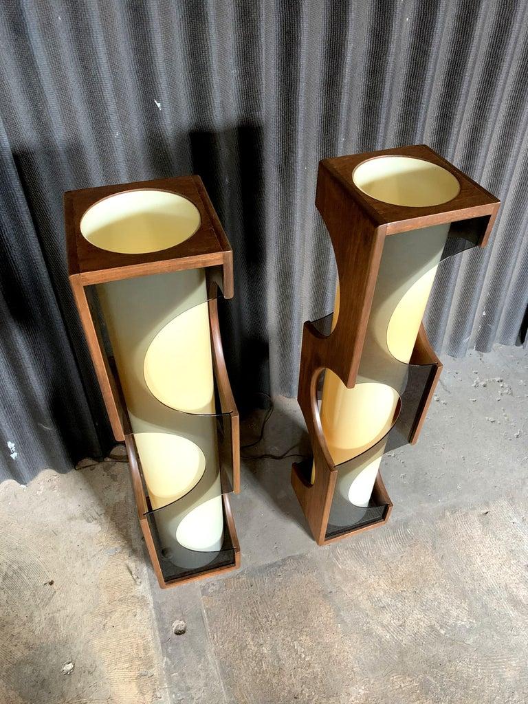 Modeline Monumental Mid-Century Modern Lucite Lamps For Sale 1