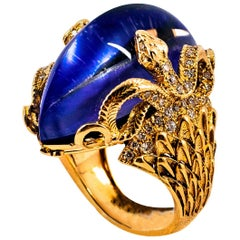 "Modern 0.76 Carat White Diamond Lapis Lazuli Yellow Gold Cocktail ""Snakes"" Ring"