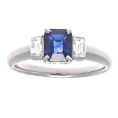 Modern 1.06 Carat Sapphire Diamond Platinum Ring