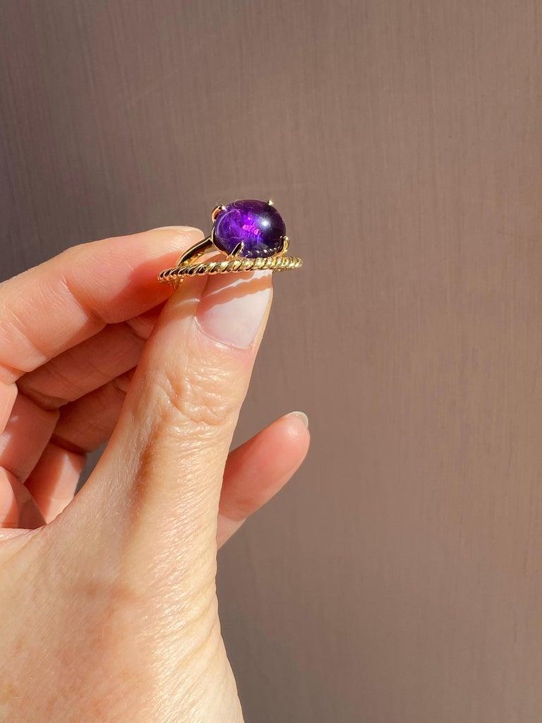 Art Deco Modern 18 Karat Yellow Gold Twist Love Amethyst Handcrafted Design Ring For Sale