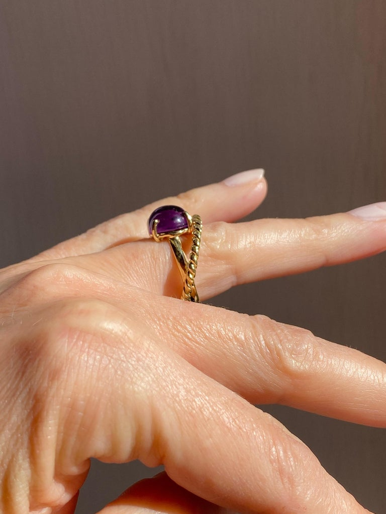 Modern 18 Karat Yellow Gold Twist Love Amethyst Handcrafted Design Ring In New Condition For Sale In Rome, IT