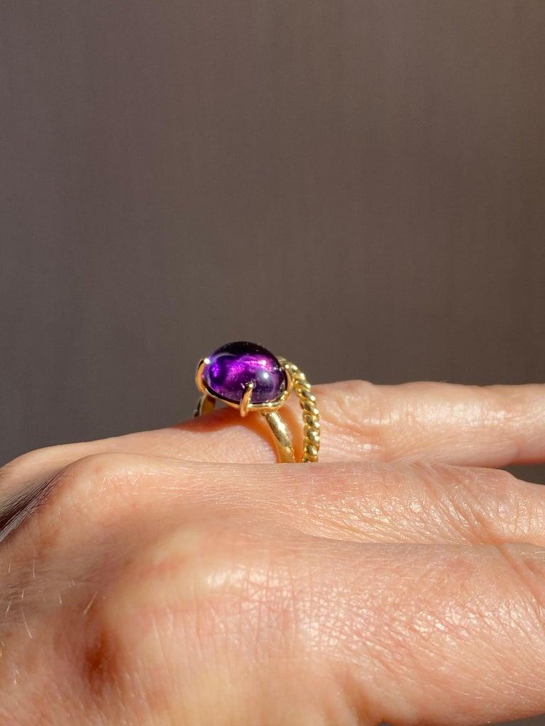Women's Modern 18 Karat Yellow Gold Twist Love Amethyst Handcrafted Design Ring For Sale