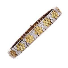 Modern 18.72 Carat Natural Fancy Yellow Diamond 18 Karat Gold Bracelet