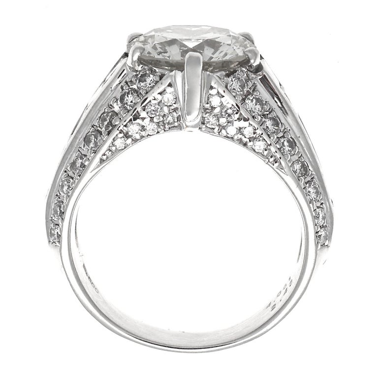 Women's Modern 4.06 Carat Round Brilliant Cut Diamond Platinum Ring For Sale