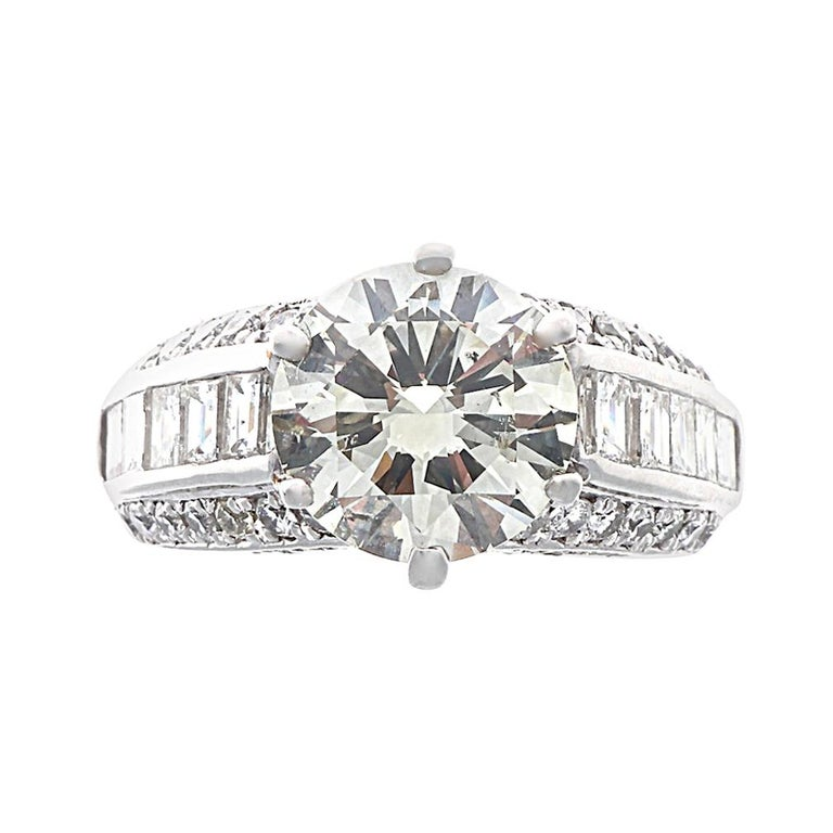 Modern 4.06 Carat Round Brilliant Cut Diamond Platinum Ring For Sale