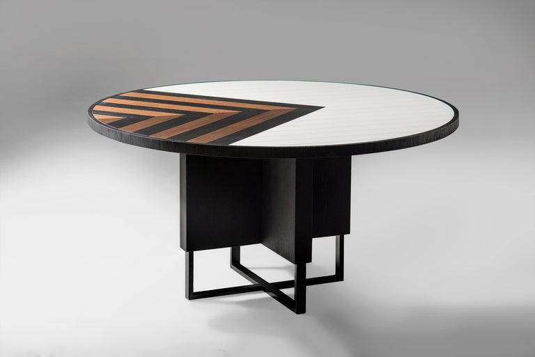 Modern 6 Seater Oak Round Circular Dining Table In New Condition For Sale In Porto Alegre, Rio Grande do Sul