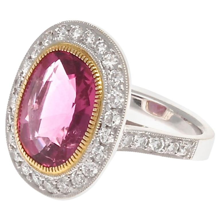 Modern 6.29 Carat Rubelite Tourmaline Diamond Gold Ring For Sale