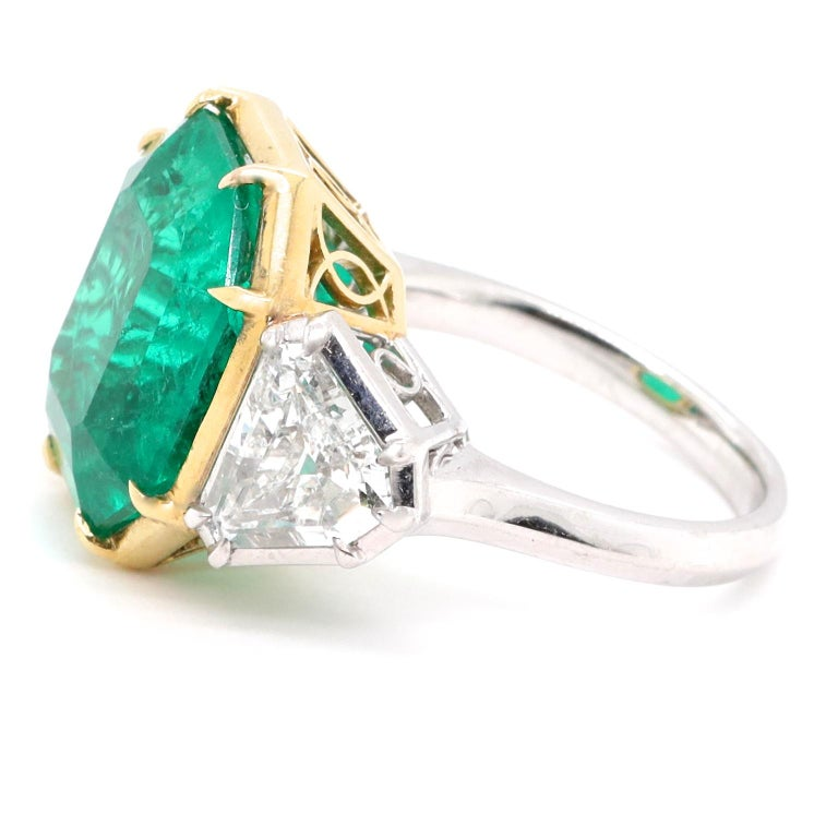 Modern AGL 10.03 Carat Colombian Emerald Diamond 18 Karat Gold Platinum Ring In New Condition For Sale In Beverly Hills, CA