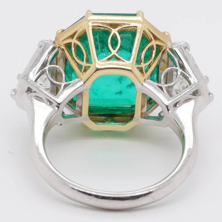 Women's Modern AGL 10.03 Carat Colombian Emerald Diamond 18 Karat Gold Platinum Ring For Sale