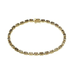 Modern and Chick Quartz Fine Jewellery Yellow Gold Tennis Bracelet