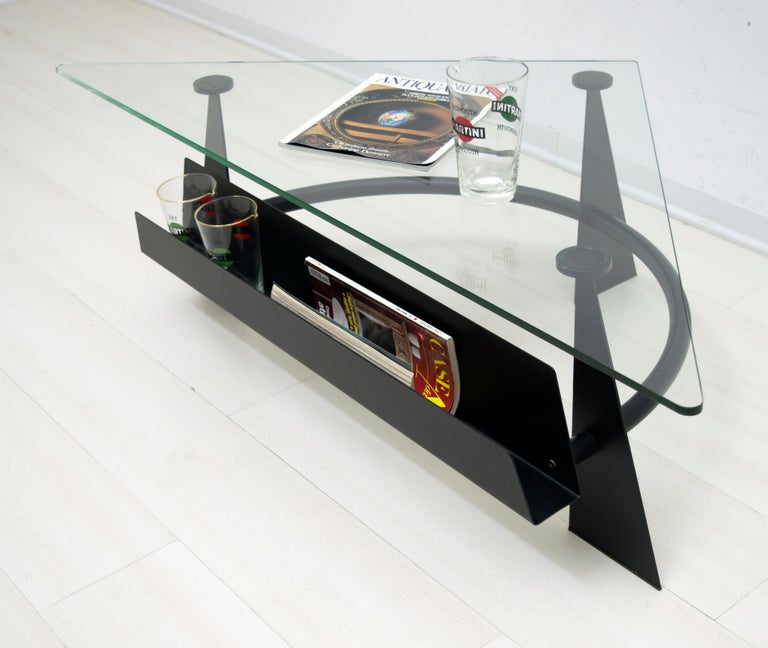 Modern and Contemporary Italian Coffee Table Blackened Metal and Glass Top, 1990 In Good Condition For Sale In Cerignola, Italy Puglia