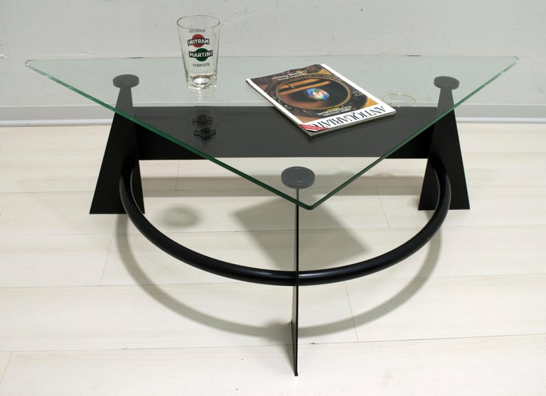 Modern and Contemporary Italian Coffee Table Blackened Metal and Glass Top, 1990 For Sale 4