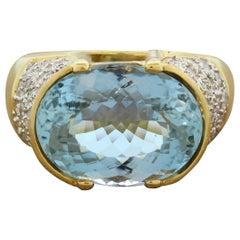 Modern Aquamarine Diamond Gold Ring