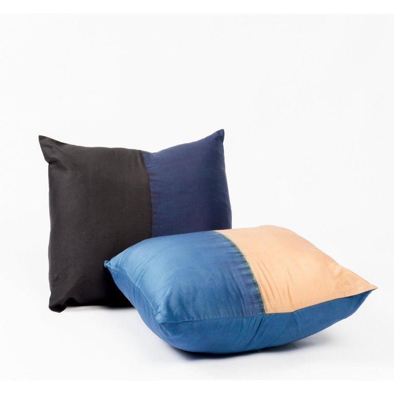 AAKAR Color Block Silk Pillow In Indigo Gold  In New Condition For Sale In Bloomfield Hills, MI
