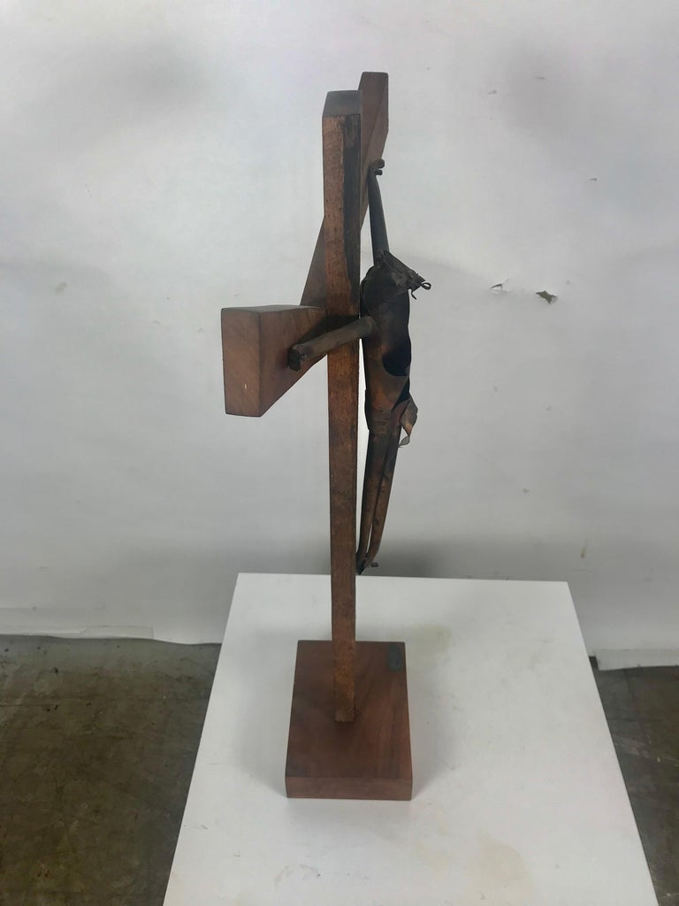Modern Artist Made Signed Crusifix, Russian, Bent Copper and Wood after Heifetz For Sale 4
