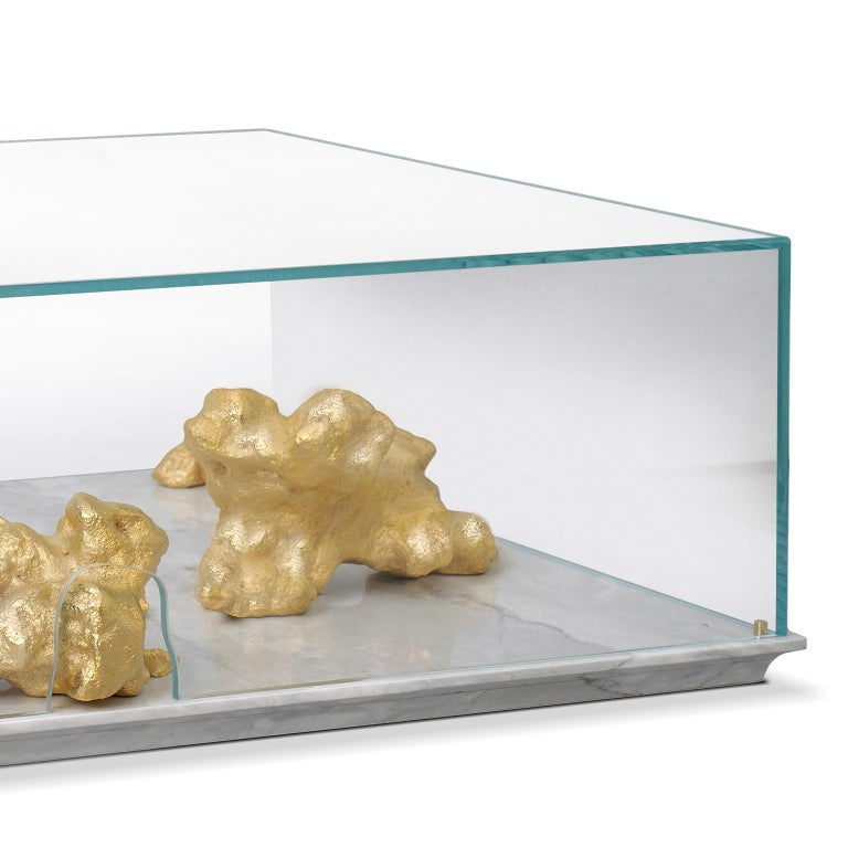 Modern Aurum Center Table with Golden Nuggets, Glass and White Marble Base In New Condition For Sale In Oporto, PT
