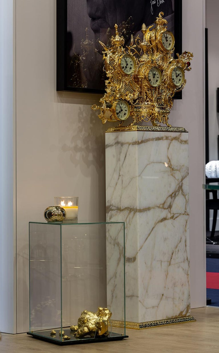 Contemporary Modern Aurum Side Table in Tempered Glass, Gold Nuggets and Green Marble Base  For Sale