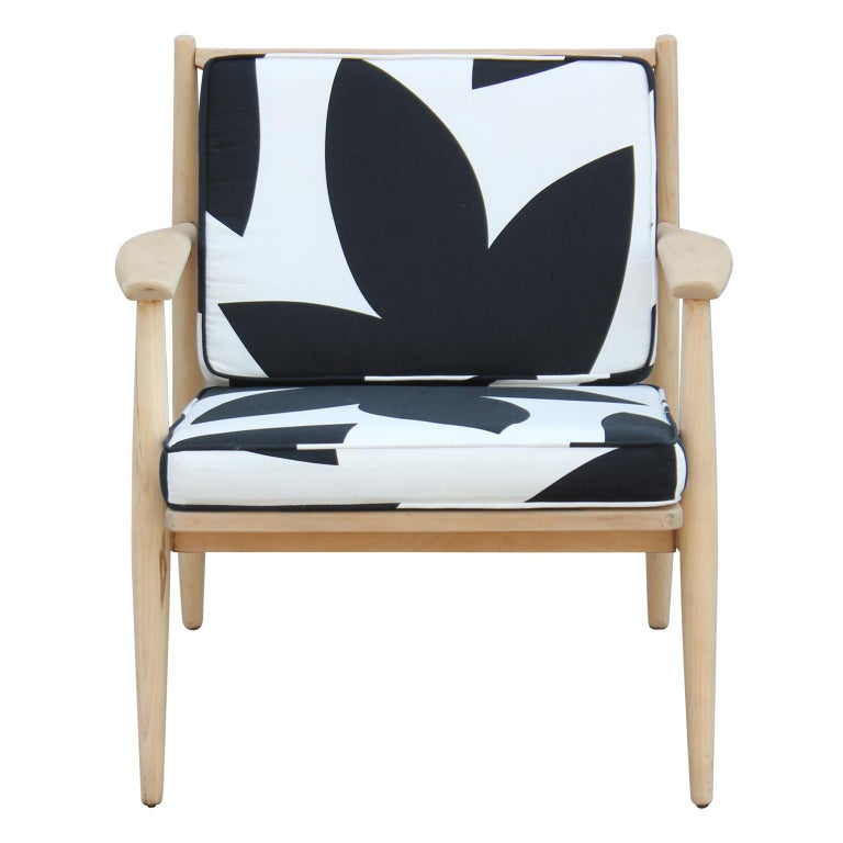 Modern Baumritter Black & White Geometric Light Walnut Danish Style Lounge Chair In Excellent Condition For Sale In Houston, TX