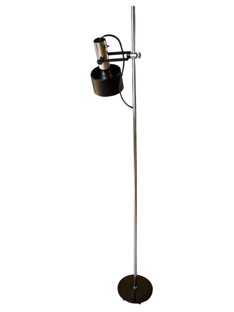 American Modern Black and Chrome Floor Lamp by Lightoleir For Sale