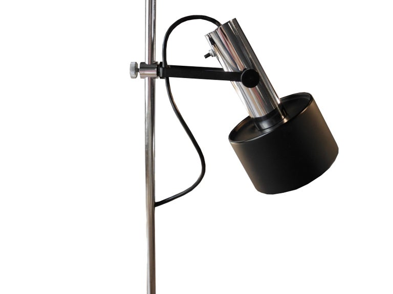 20th Century Modern Black and Chrome Floor Lamp by Lightoleir For Sale