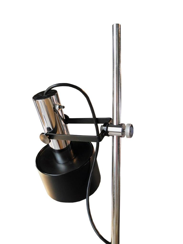 Modern Black and Chrome Floor Lamp by Lightoleir For Sale 1