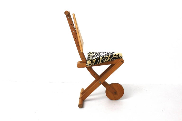 Italian Modern Black and White Memphis Style Vintage Beechwood Chair, Italy, 1980s For Sale