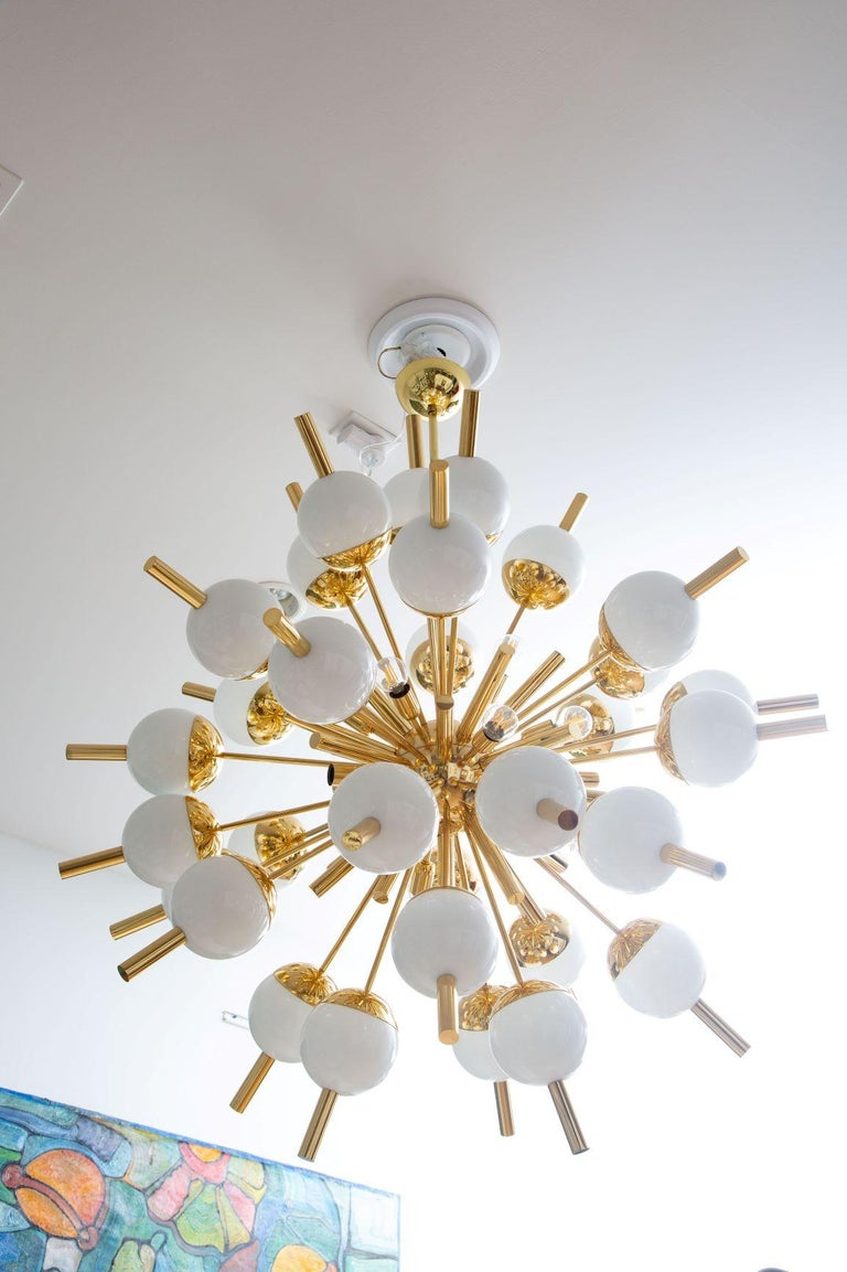 Contemporary Italian sputnik ceiling light in polished brass and opaline glass
