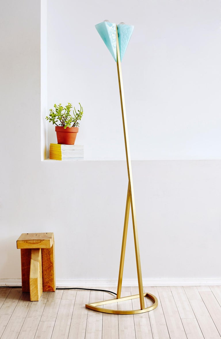 Modern Brass and Mold Blown An Nur Floor Lamp In New Condition For Sale In Los Angeles, CA