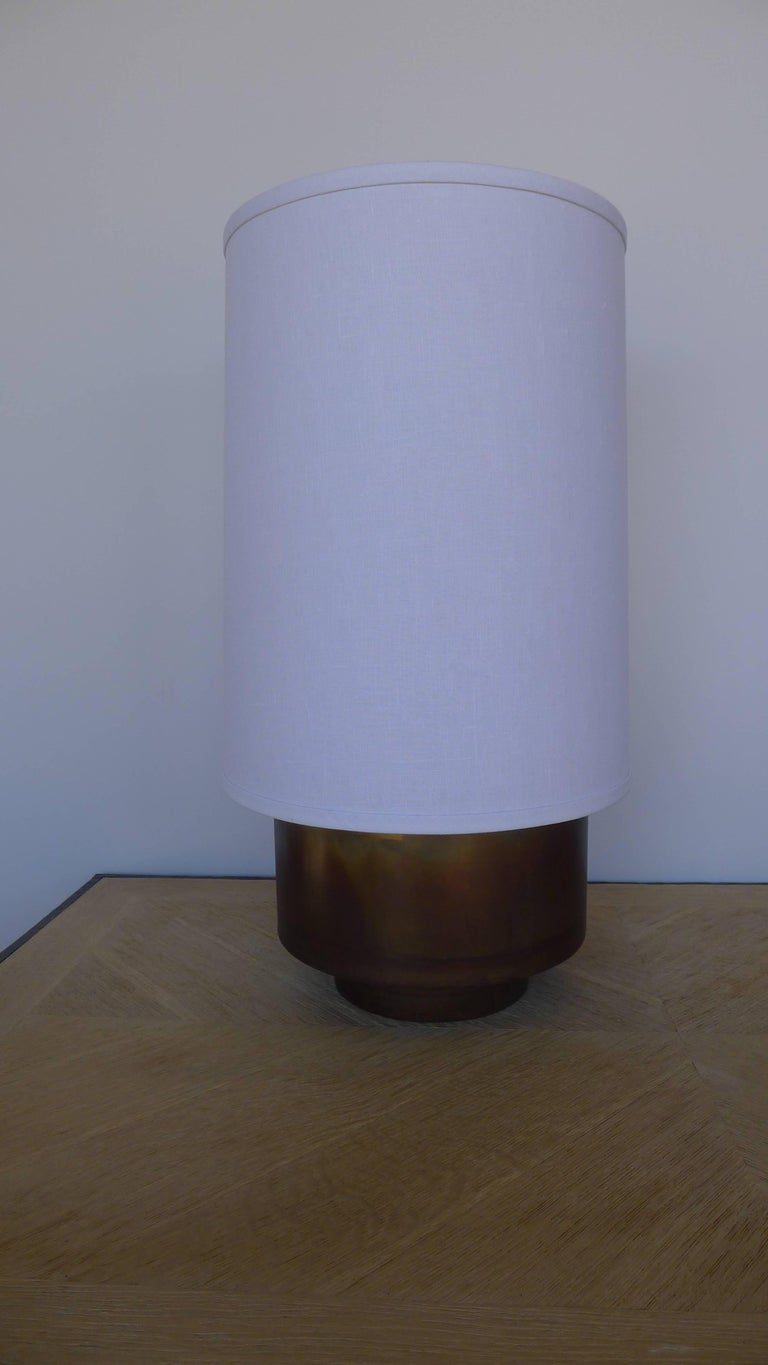 Modern Brass Table Lamp with Linen Shade by Paul Marra In Excellent Condition For Sale In Los Angeles, CA