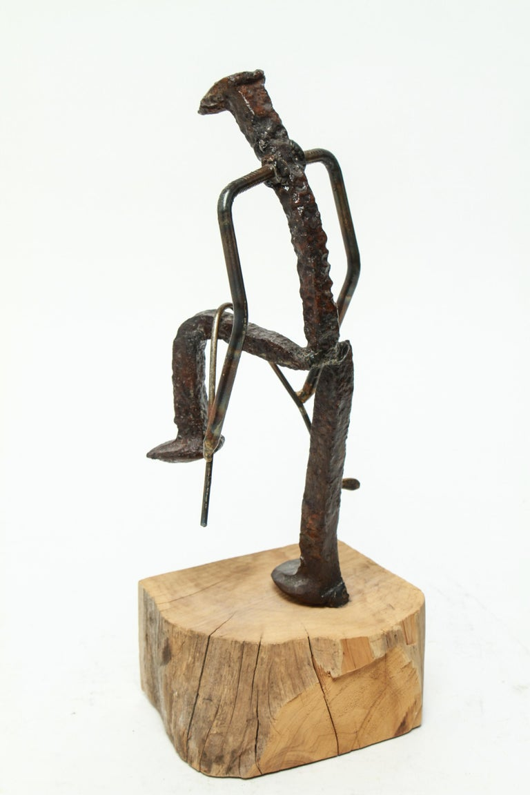 Modern Brutalist Iron Golfer Nail Sculpture In Good Condition For Sale In New York, NY