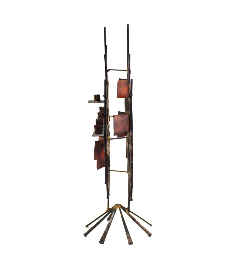 Modern Brutalist Judaica Menorah in Metal In Good Condition For Sale In New York, NY