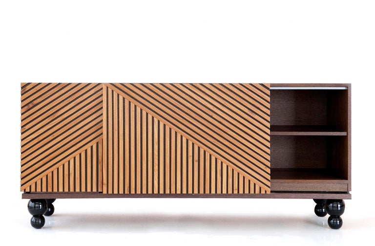 Buffet, and console table. Handcrafted in Brazilian hardwood. Available in natural wood. Dimensions: L x A x P width x depth x height 70.8 x 18.9 x 31.5