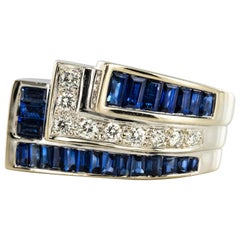 Modern Calibrated Sapphire Diamonds 18 Karat White Gold Art Deco Style Ring