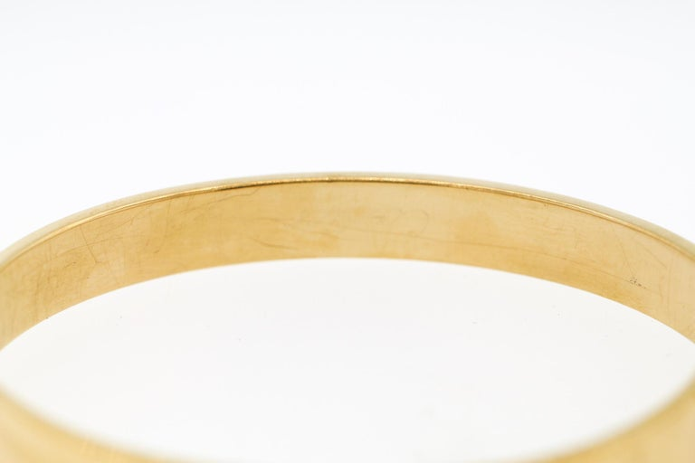 Modern Cartier Anniversary Diamond 18 Karat Gold Bangle Bracelet For Sale 3