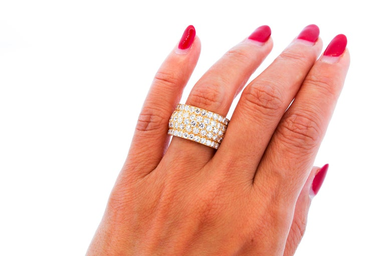 Modern Cartier Wide Diamond 18 Karat Yellow Gold Five-Row Ring In Excellent Condition For Sale In New York, NY