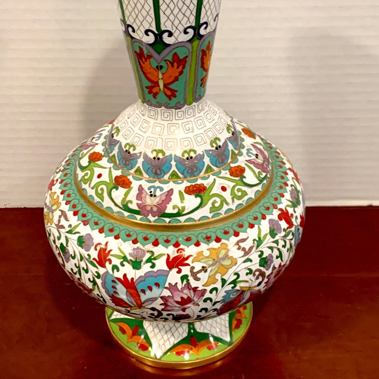 Modern Chinese Cloisonné Vase, White Background and Butterflies For Sale 2