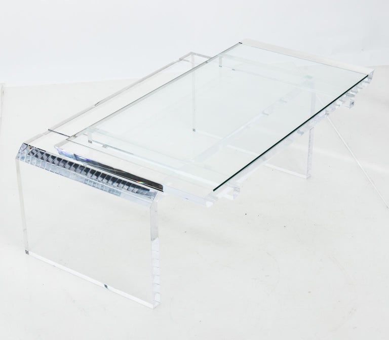 Modern Chinoise Lucite Cocktail Table, circa 1970s For Sale 3