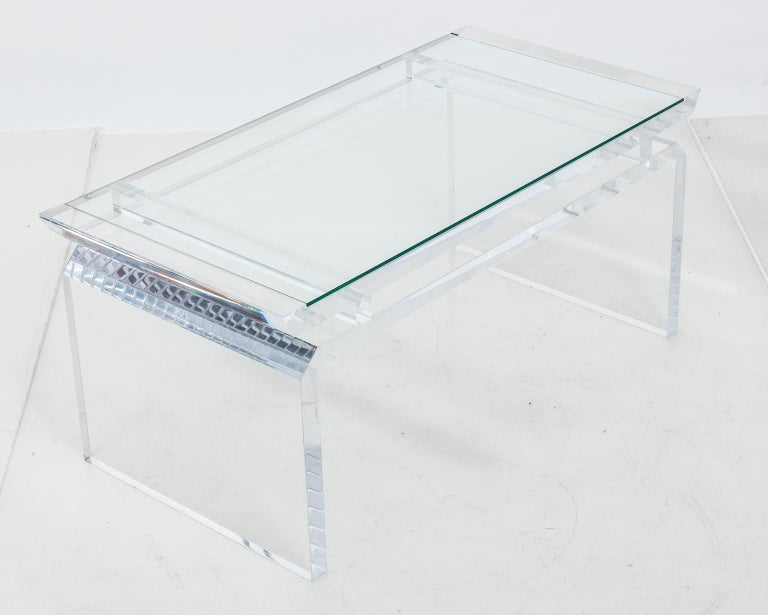 Modern Chinoise Lucite Cocktail Table, circa 1970s For Sale 2