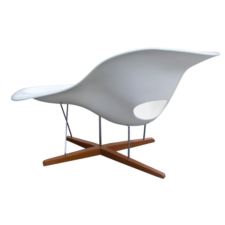 Modern CL9026 Eames style La Chaise  By Artisan of Brazil  Charles and Ray Eames designed La Chaise in 1948 for a Museum of Modern Art competition. La Chaise is suitable for both sitting and lying on. Its organic shape was inspired by