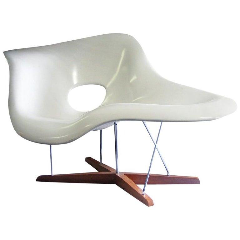 Modern CL9026 Eames Style La Chaise For Sale